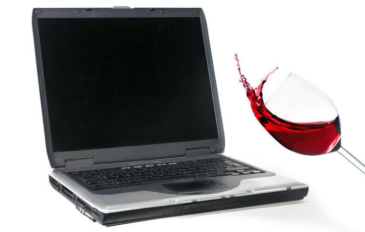 notebook wasserschaden was kann man tun bei fl ssigkeit im ger t laptop formatieren. Black Bedroom Furniture Sets. Home Design Ideas